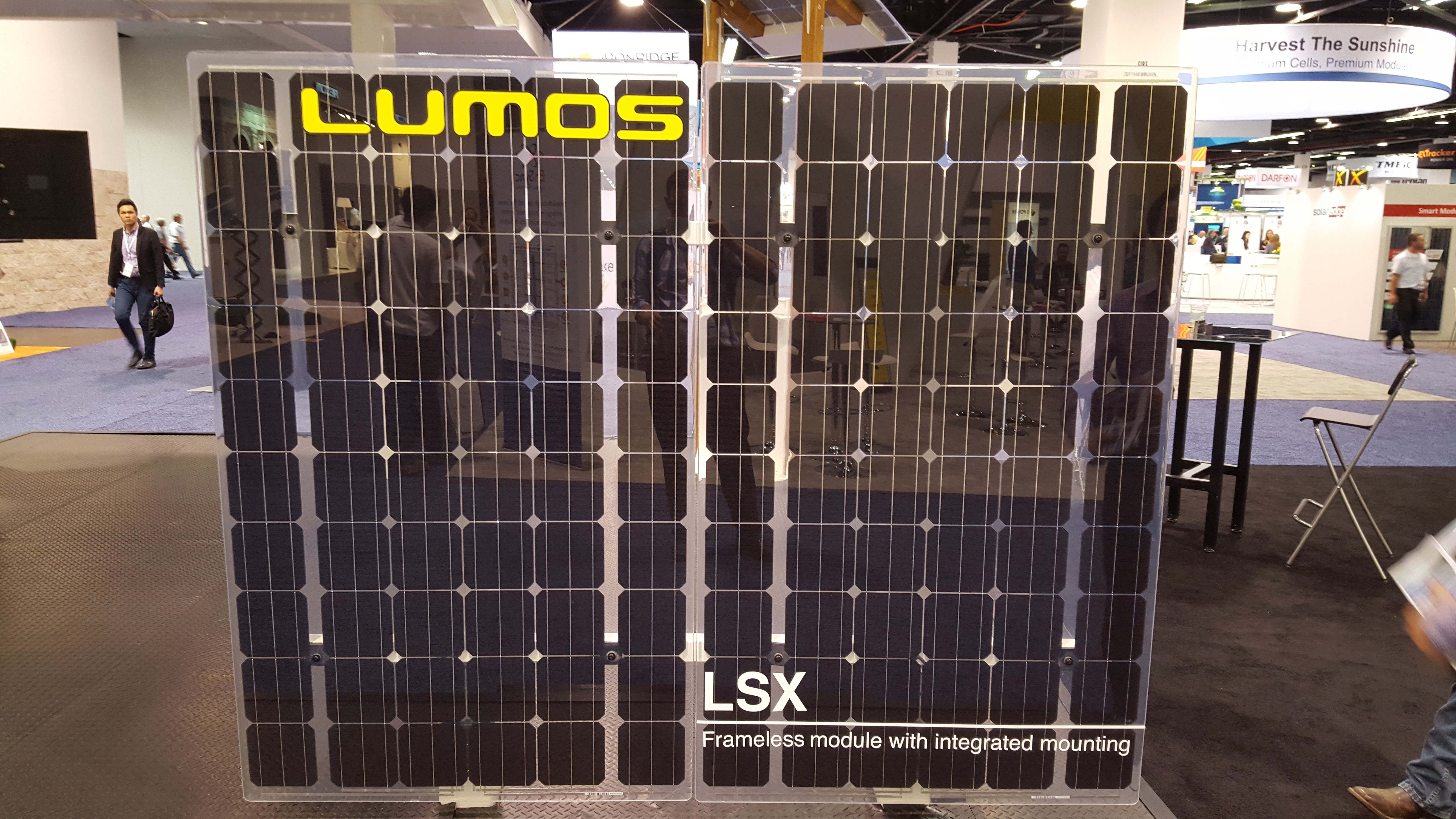 Solar power international 2015 brings the sexy back to pv for Lunos skalar